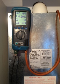 gas boiler servicing flue gas analyser